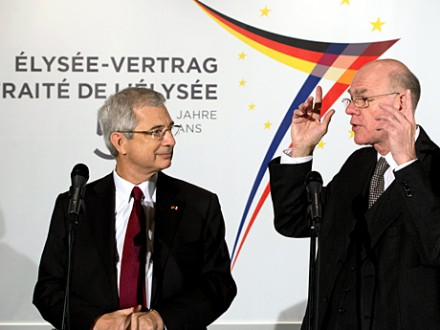Bundestagspräsident Norbert Lammert (CDU, r.) und der Präsident der französischen Nationalversammlung, Claude Bartolone (PS) (picture alliance / dpa - Soeren Stache)