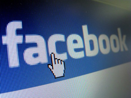Kann man Facebook ignorieren? (picture alliance / dpa)