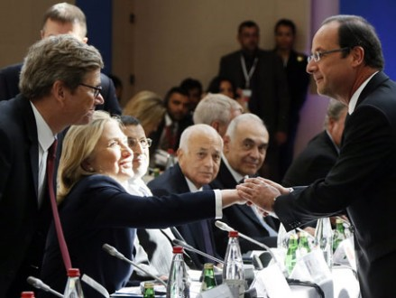 Guido Westerwelle, Hillary Clinton und Francois Hollande in Paris (picture alliance / dpa /Ian Langsdon)