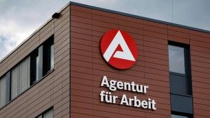 Arge-Logo an der Agentur für Arbeit in Ossendorf. Köln, 14.06.2018 *** Arge logo at the agency for work in Ossendorf Cologne 14 06 2018 Foto:xC.xHardtx/xFuturexImage  (imago stock&people)