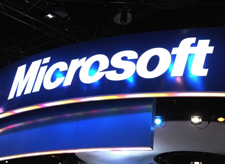 Microsoft in der Kritik (picture alliance / dpa / EPA/ Andrew Gombert)