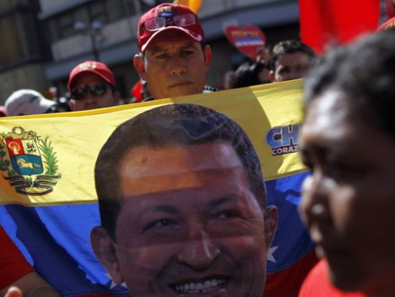 Pro-Chávez-Demonstration in Caracas (picture alliance / dpa / EFE / David Fernandez)
